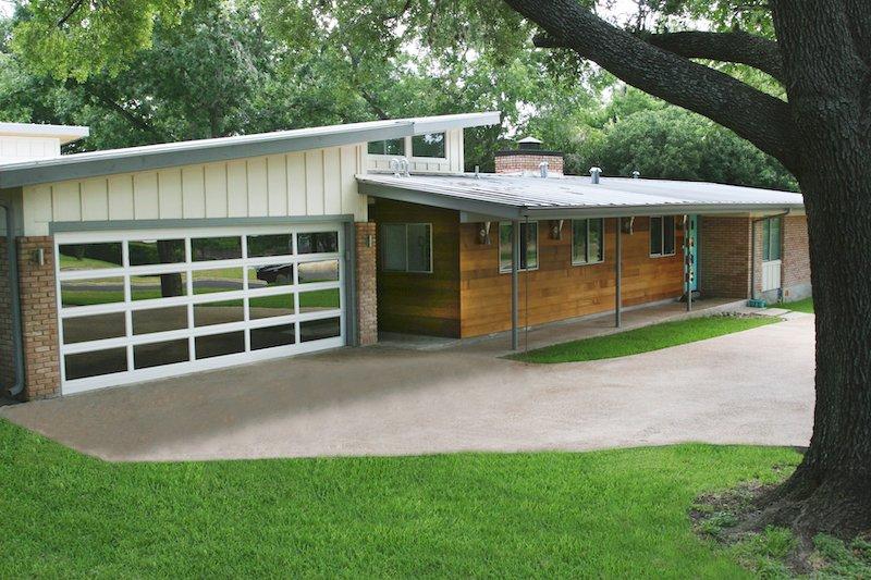 Residential Garage Door-8-Hutchins Garage Doors